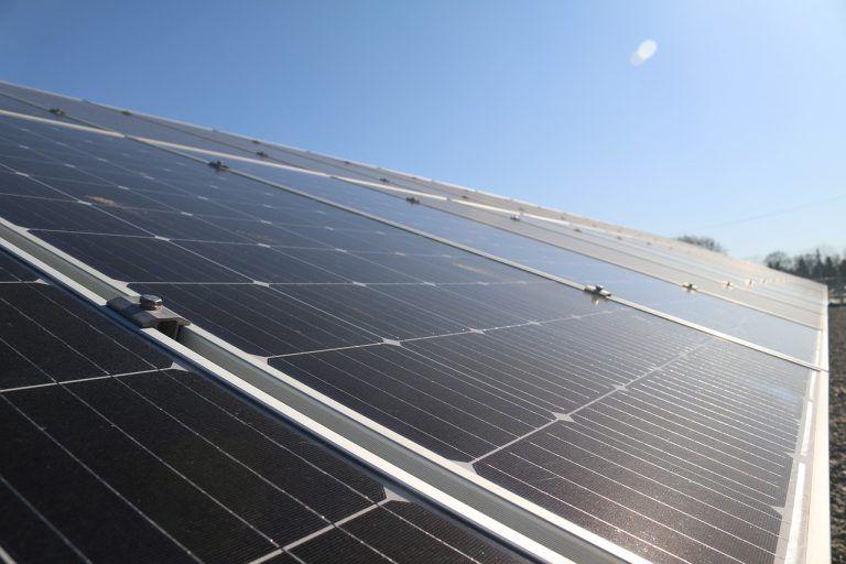 Científicos españoles aumentan eficiencia de celdas solares